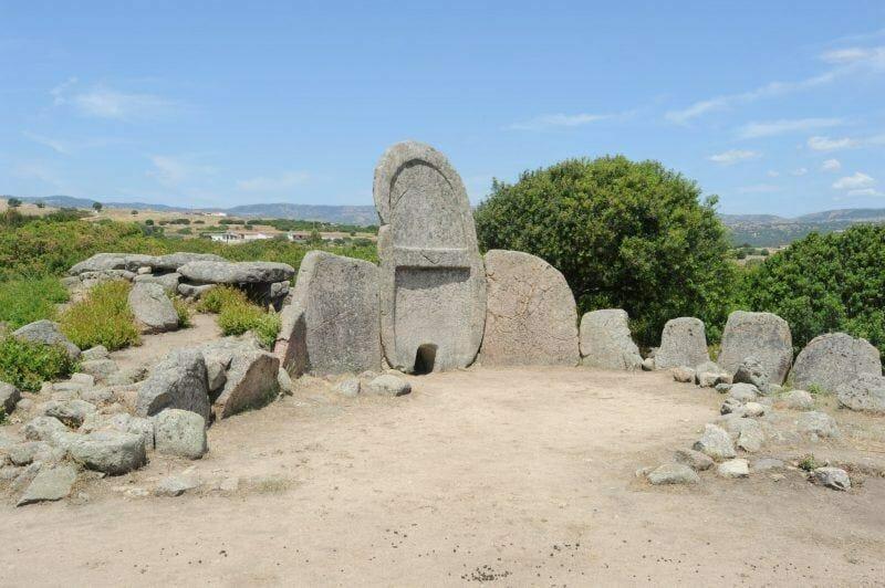 Giant's Tomb