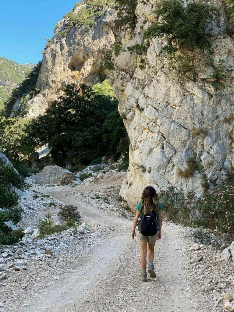 Hike to Cala Sisine
